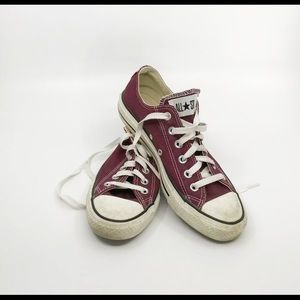 Burgundy Converse All Stars Low Top Sneakers sz 8